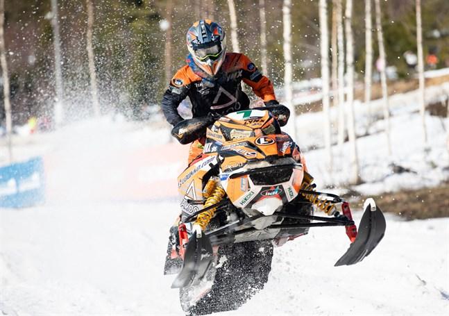 Emil Hertén har profilerat sig som en förare som kör säkert, men som också vågar utmana konkurrenterna om inte starten gått som planerat.