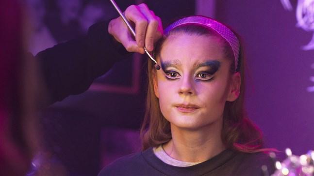 """Molly Nutley har huvudrollen i mamma Helena Bergströms nya film """"Dancing Queens""""."""