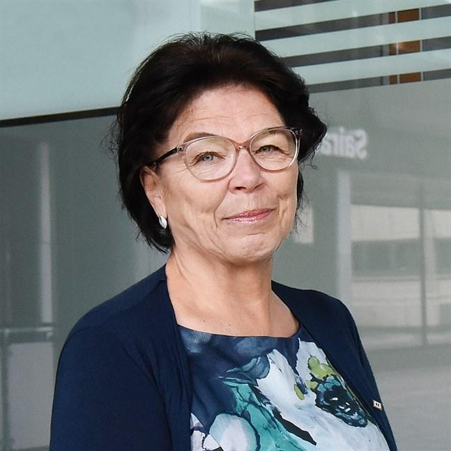 Supers ordförande Silja Paavola anser att en större del av vårdpersonalen bör få förtur i vaccinationskön.