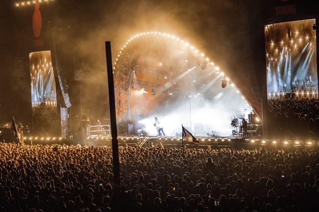 Tätt packad festivalpublik. Glöm det på Roskilde i år.
