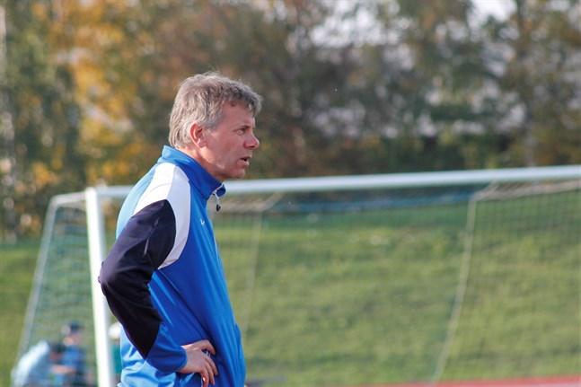 Det var ett steg i rätt riktning igen, konstaterade Peter Sundlin efter söndagens träningsmatch i Jakobstad.