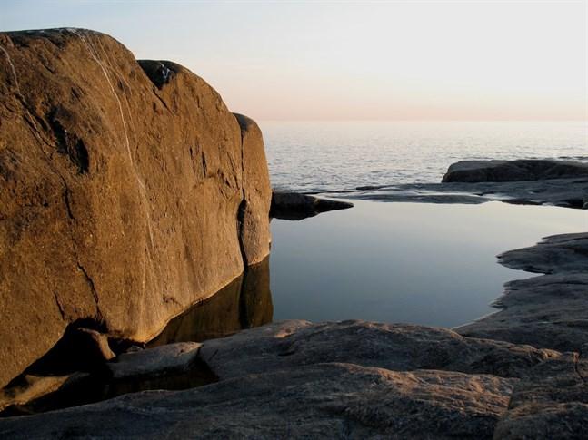 Skärgården och havet är ett omistligt landskap som vi både kan och bör skydda undan människans storskaliga exploatering.