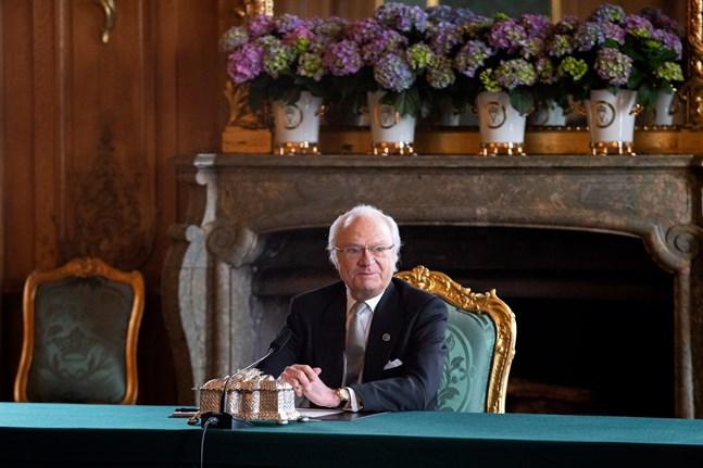 """Kung Carl Gustaf intervjuas i nya """"Värvet"""". Arkivbild."""