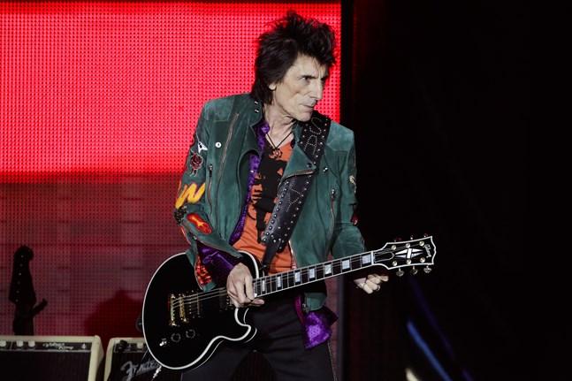 Ronnie Wood, gitarrist i bandet Rolling Stones är friskförklarad från sin cancer – igen. Arkivbild.