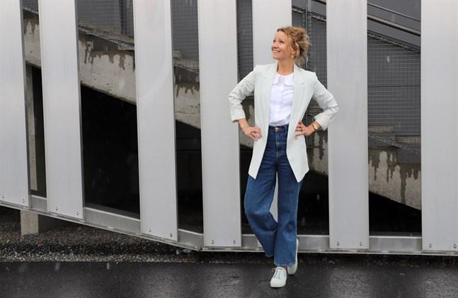 Jannica Granbacka säger att Vaasa Run ska ha något för alla – för de som jagar tider, som joggar eller promenerar i egen takt och för de som inte alls deltar i loppet utan bara vill uppleva stämningen på stadion i Sandviken.