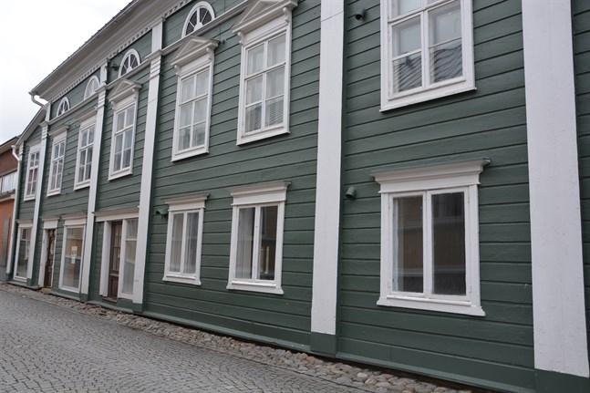 Det Fremdelingska huset vid Strandgatan i Kristinestad är byggt 1770. Patrick Wahlman för bidrag av Museiverket för renoveringen.
