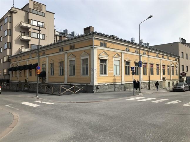 Den rappade fasaden på Labbartska huset ska renoveras i vår.