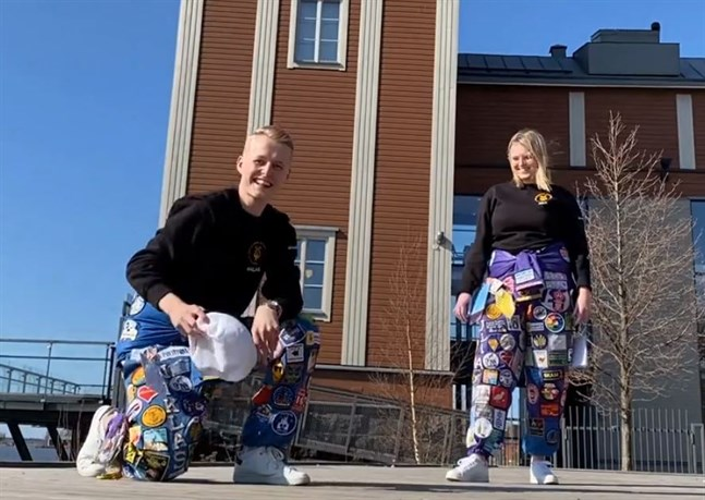 Niklas Grönholm och Julia Liewendahl representerar Åbo Akademi i Vasa.
