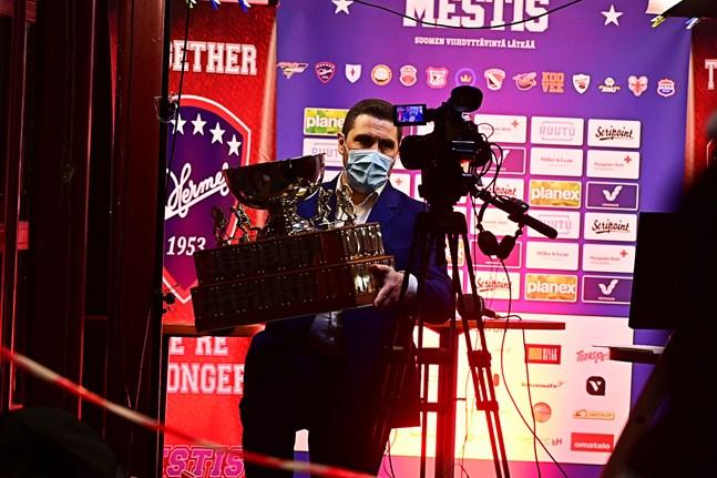 Mestis-pokalen och medaljerna fick åka vidare till den femte och avgörande matchen som spelas i Imatra.
