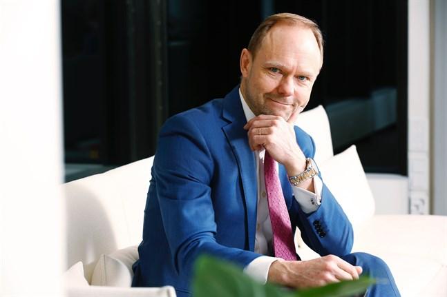 –Till all lycka har ingen av våra kunder haft problem med att amortera sina lån nu under pandemin, säger André Küüsvek, ny vd för Nordiska investeringsbanken.