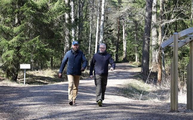 Jesper Wikström och Kari Rönnqvist ordnar Riksmarsch i Jakobstadsregionen.