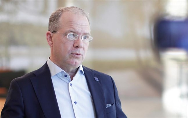 AB Volvo, med vd Martin Lundstedt, siktar på produktion av bränsleceller i Europa tillsammans med Daimler AG.