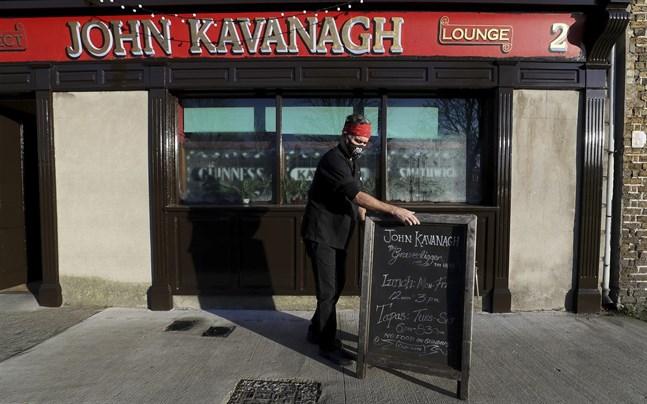 Pubar på Irland kan öppna i juni.