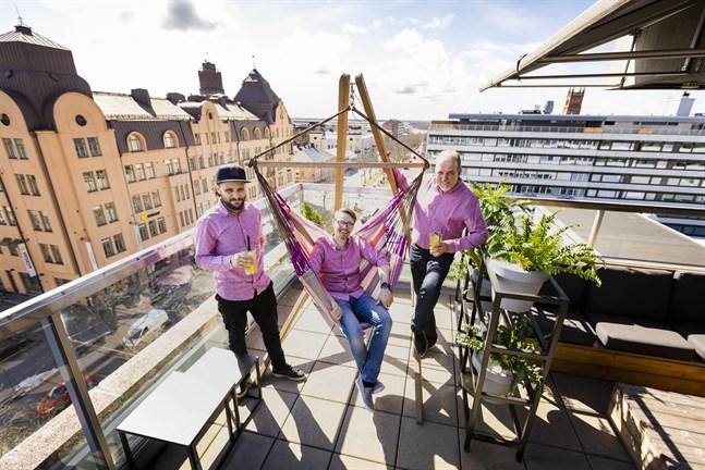 Sami Lehtonen, Max Hellqvist och Timo Tiilikka är glada över att Sky får liv igen.