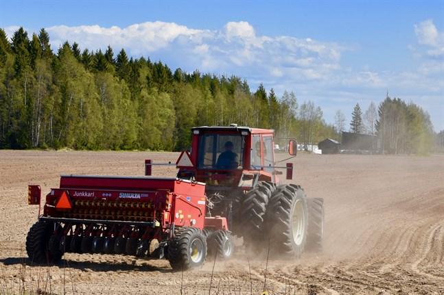Bönderna blir de stora förlorarna vad gäller ekonomiska satsningar under de kommande åren, anser SLC.