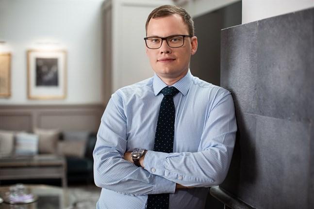 Aktias chefsekonom Lasse Corin tycker att regeringens beslut är i rätt riktning, men hade hoppats på modigare reformer.