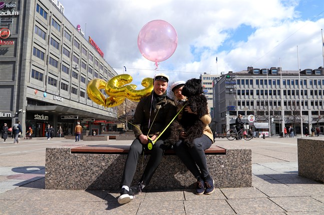 För vissa betyder första maj fler ballonger än en.
