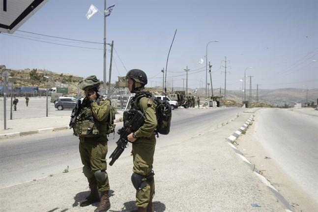 Israelisk militär vid Tapuah på Västbanken. Arkivbild.
