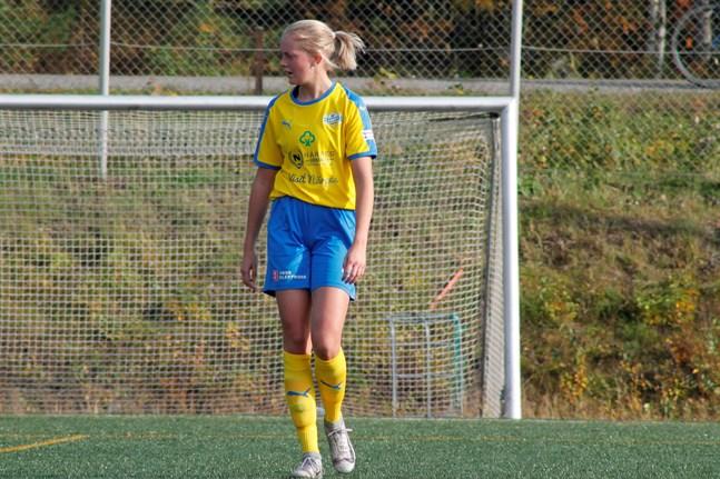 Matilda Sundlin gjorde ett mål då Krafts damer tog försäsongens första seger.