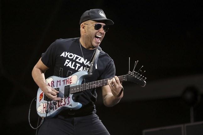 Tom Morello, gitarrist i bland annat Rage against the machine, är en av de musiker som skrivit under uppropet mot Spotify.