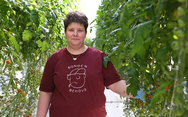 Smiths Garden i Yttermark är en av de växthusanläggningar som har deltagit i undersökningen om allergirisken i växthus. Johanna Smith välkomnar anvisningarna om hur riskerna för exponering kan förebyggas.