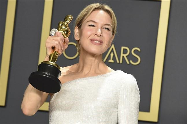 Personer som vunnit en Oscar ska kunna få visum till Storbritannien lättare än andra.