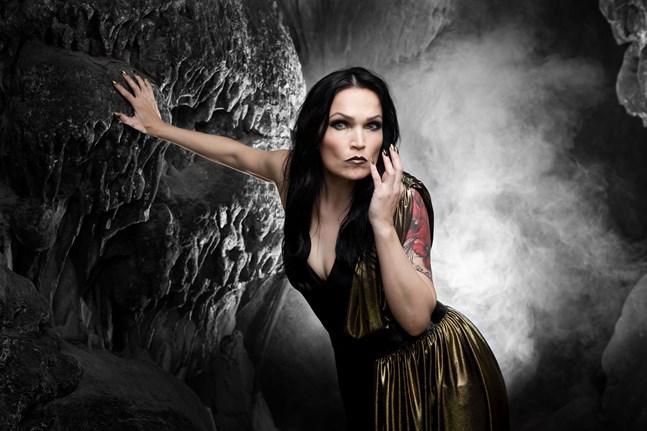 Tarja Turunen blev känd som vokalist i Nightwish, men är numera soloartist.