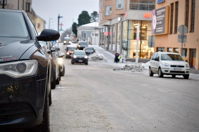 Första fasen för att halvera trafikutsläppen är redan igång. Arkivbild.