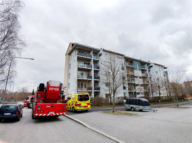 Det brann i en lägenhet på Formansgatan i Vasa klockan 11.30 på fredagen.