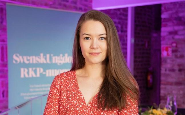 Frida Sigfrids, ordförande för Svensk Ungdom, säger att hatretoriken i dagens politiska debatt är frustrerande och tung.