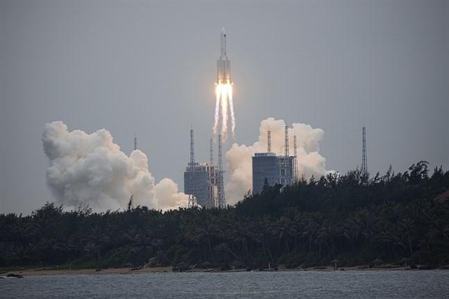 Den kinseiska raketen Chang Zheng 5B sköts upp den 29 april med en modul till en blivande kinesisk rymdstation.