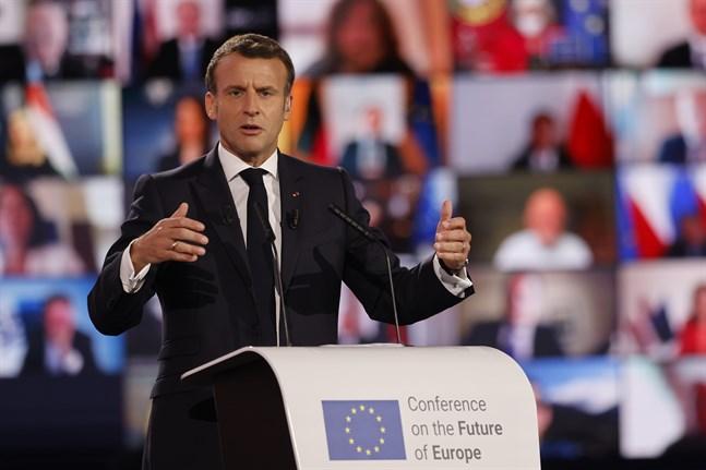 Frankrikes president Emmanuel Macron talar vid invigningen av EU:s stora framtidskonferens i Strasbourg.