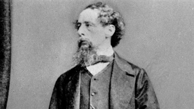 Den brittiske författaren Charles Dickens var mycket fäst vid sin frus syster Mary Hogarth som hastigt avled, 17 år gammal.