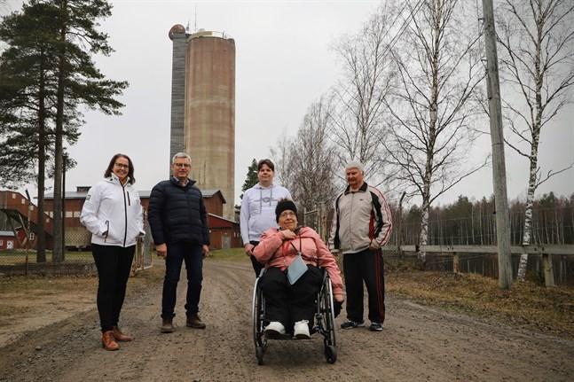Camilla Moliis, Göran Östberg, Jonny Björkström, Stina Österbro och Robert Mamrelund hoppas att nya besökare hittar till gruvområdet i Korsnäs.