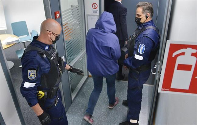 Den så kallade Eckerörättegången inleddes den 10 maj.