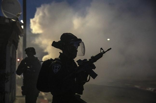 Israelisk militär på plats i Lod.