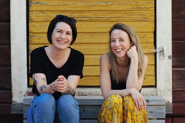 """Annika Åman och Alexandra Mangs är taggade på filmatiseringen av """"Projekt S"""".  Filmen kommer att publiceras på Vasabladet, Sydin och Österbottens Tidning."""
