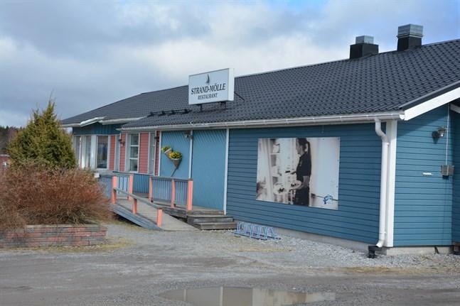 Besvär har inlämnats mot Korsnäs kommunfullmäktige beslut att teckna aktier i Fastighets Ab Molpe Strömmen, som äger restaurangfastigheten i Molpe.