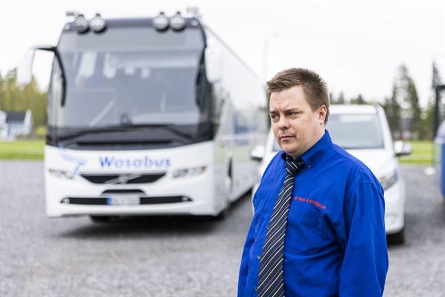 Patric Wiik, vd för Wasa Citybus, är mycket besviken på resultatet av upphandlingen av kollektivtrafiken i Vasa. Från och med nästa sommar drivs kollektivtrafiken inte längre av ett lokalt bolag.