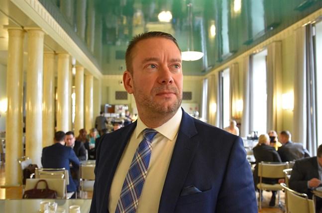 Stefan Wallin blev invald i Yles styrelse på tisdagen.
