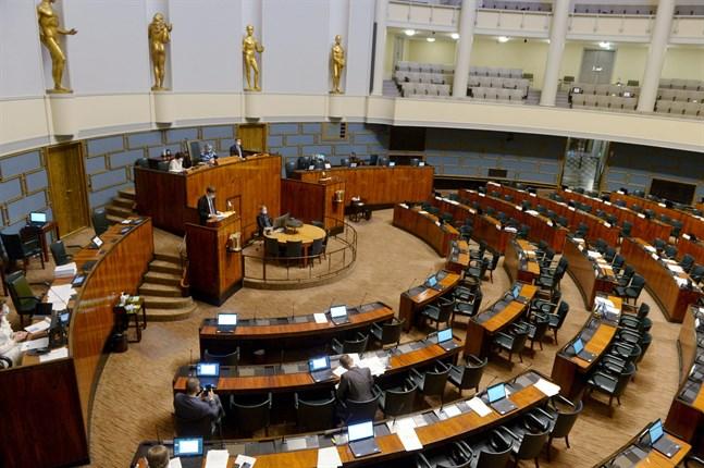 Riksdagen röstar om Europeiska unionens stödpaket på tisdagseftermiddagen. Arkivbild.