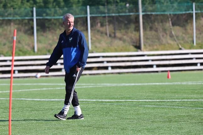 Pasi Virtanen har följt de flesta av spelarna i Vasa IFK i flera år eftersom han varit en del av tränarteamet i både division 1- och division 2-laget samt B-juniorerna.