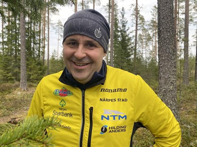 Närpes OK:s ordförande Johan Hertsbacka är redo för sommarens största lokala orienteringsevenemang.