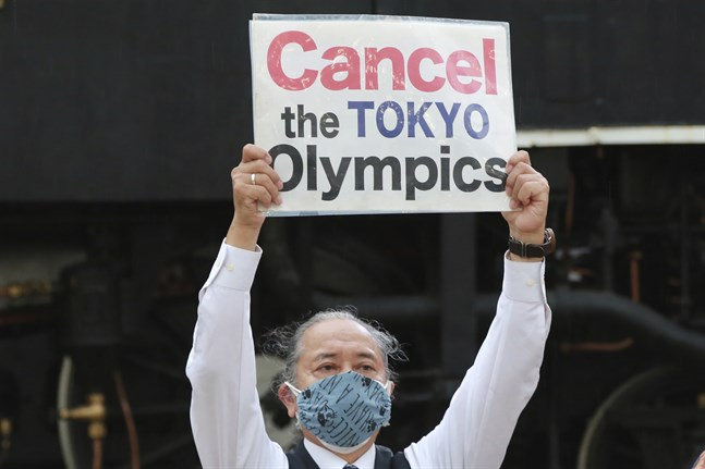 En demonstrant i Tokyo.
