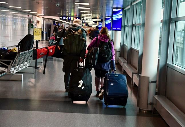 Regeringen rekommenderar fortfarande att finländare undviker utlandsresor som inte är nödvändiga till andra länder än de som inte längre omfattas av inreserestriktioner.