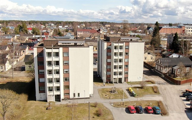 Här på Skepparegatan i Jakobstad utspelade sig knivdramat mellan de två kvinnorna i mars 2020.
