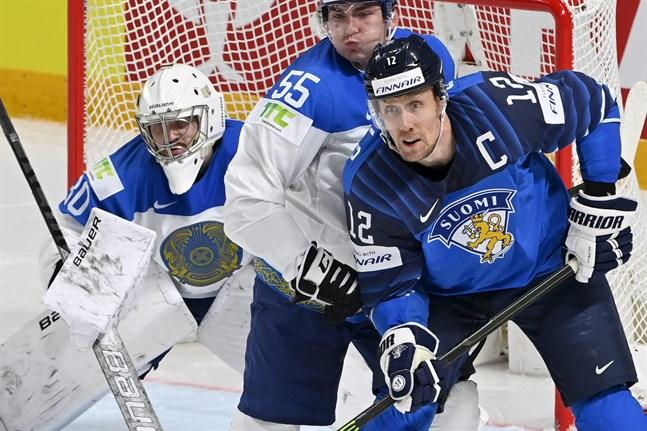 Finlands lagkapten Marko Anttila var en av hjältarna i guldlaget från 2019. Kan han lyfta laget till medaljplacering ännu en gång? Bilden är från Finlands förlustmatch mot Kazakstan.