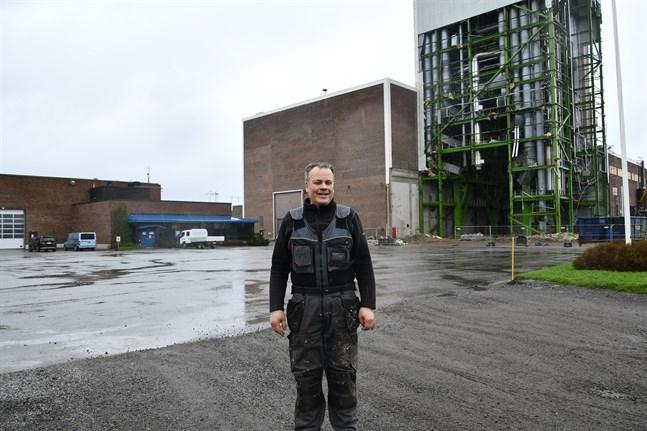 Affärsmannen Petri Pihlajaniemi är storägare på kraftverksområdet på Björnön.