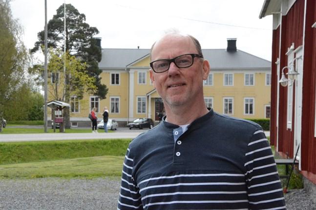 I och med att vi fungerar inom Kristinestads stad så har vi möjlighet att få stöd och hjälp från den redan befintliga grundskolan, säger Casper Sahlström på Lappfjärds folkhögskola.