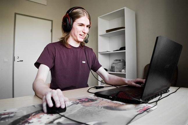 I spelsammanhang känns Jonatan Fors bäst igen under användarnamnet LordForce, som är inspirerat av hans efternamn.